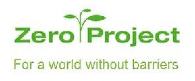 logo do Projeto zero, em fundo branco, com letras verdes e uma muda de planta - por um mundo sem barreiras.